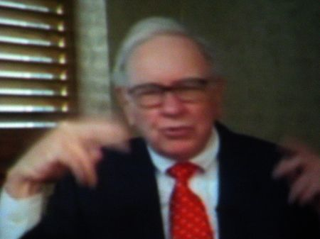 Warren Buffet courtesy of lundxy.com
